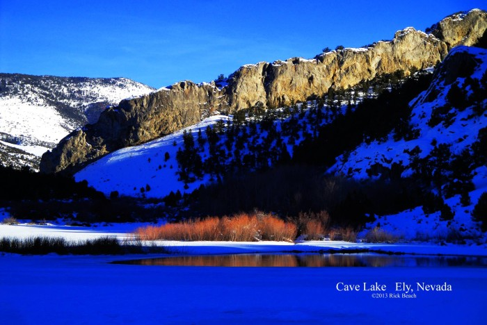 10. A gorgeous capture of Cave Lake.