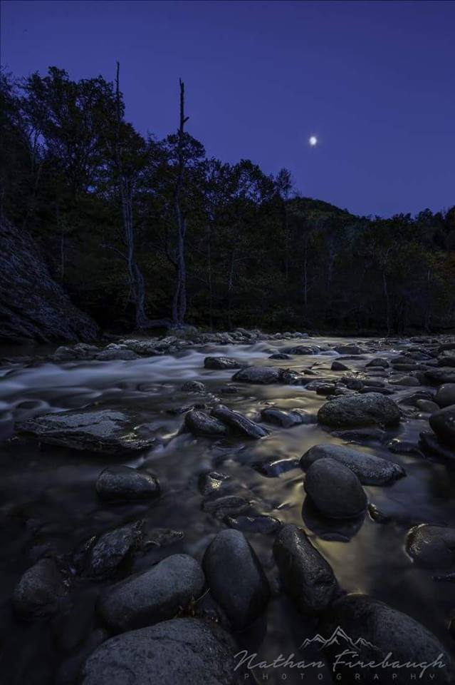 3) Here's an evening shot of the Great Smoky Mountains National Park by Nathan Firebaugh.