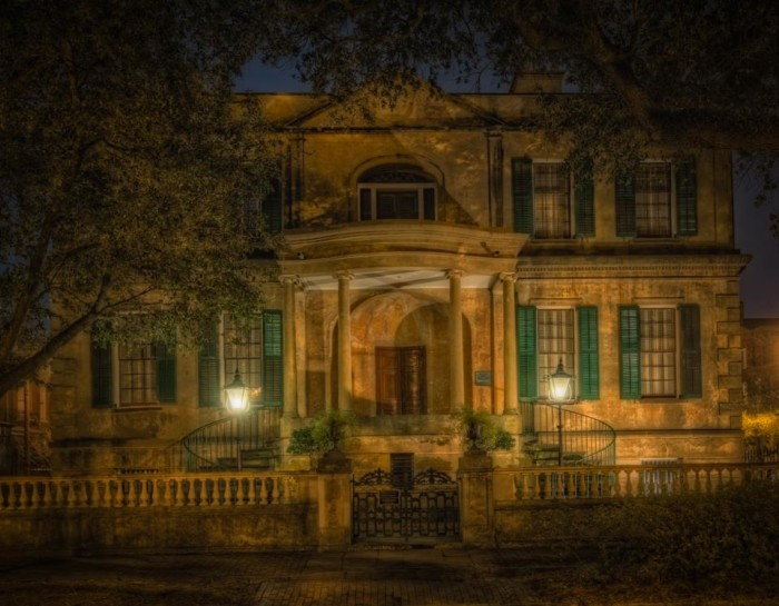 9. Savannah Ghost Tours: Haunted Savannah - 6 W Harris St, Savannah, GA 31401