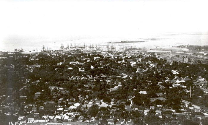 4) The view of Honolulu from Punchbowl sure has changed quite a bit in the last 100 years.