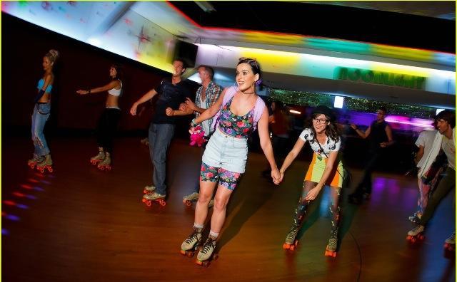 10. Skate-N-Fun Zone: Adult Retro Skate, Manassas