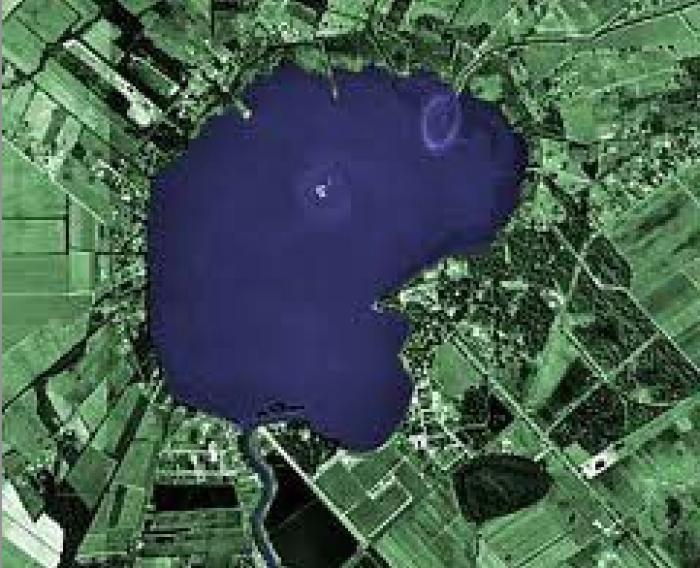 9) Lake Peigneur, near New Iberia