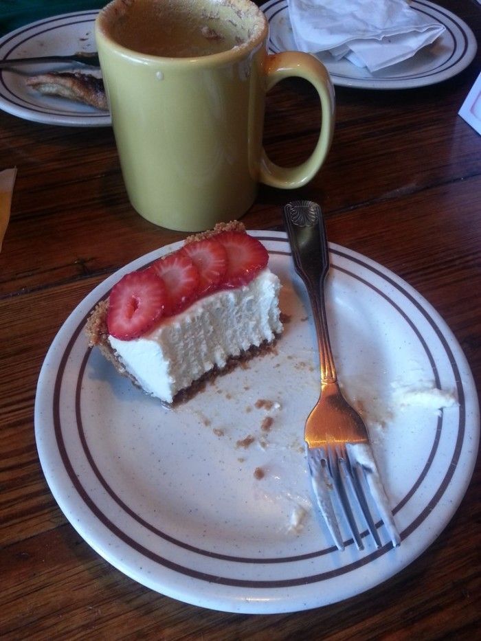 The Yellow Deli - Cream Cheese Pie With Strawberries