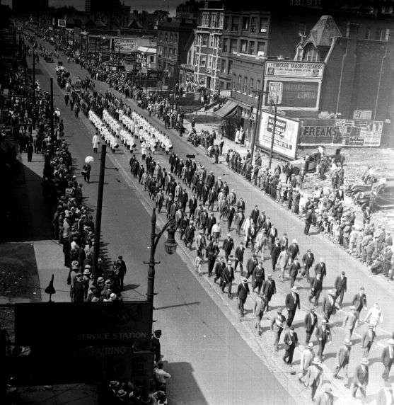 "2) Detroiters, in support of repealing Prohibition, demonstrate through the streets of downtown Detroit during the city's ""Beer Parade."""