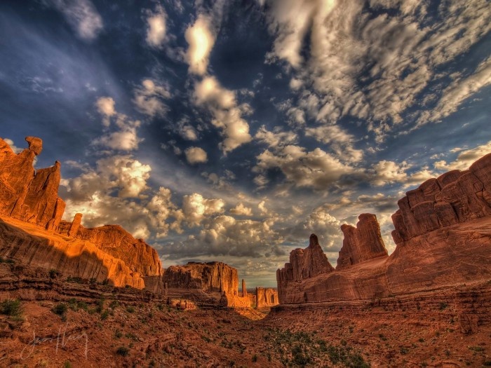 25. This photo that Tom Horton shared just takes my breath away. This is Park Avenue at Arches National Park.