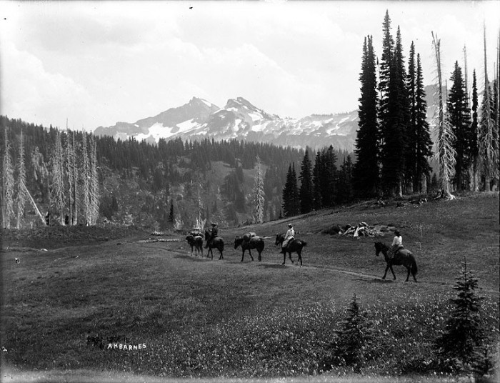 2. Here are some visitors leaving Paradise Valley in Mount Rainier National Park back in 1910!