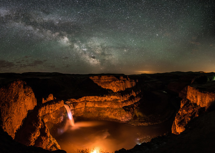 Amazing Nighttime Photos In Washington