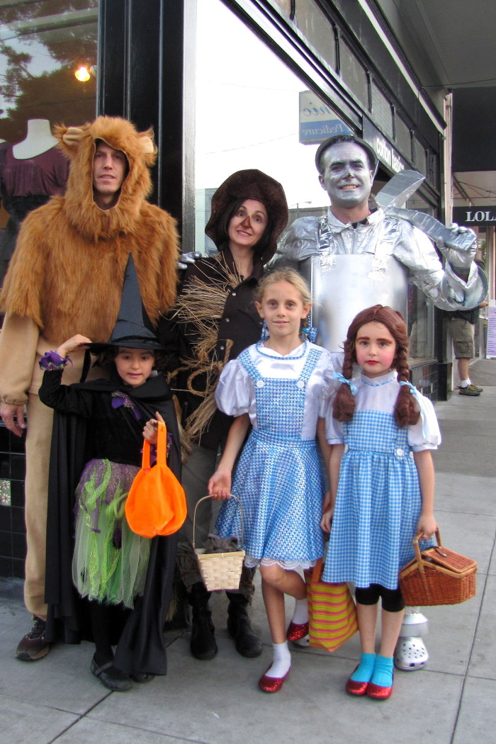 7. A Wizard of Oz family