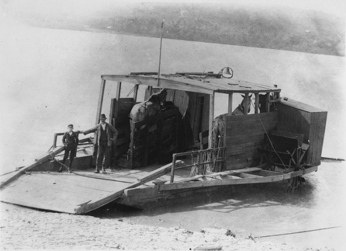 4. Wooden team boat horse ferry in Chillicothe, OH (Circa 1900)