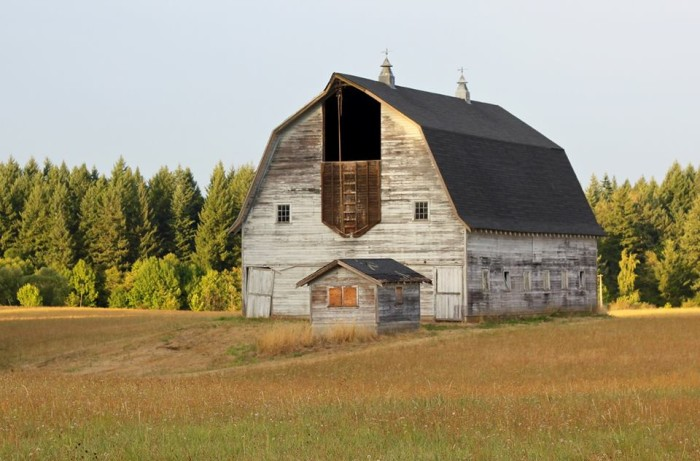 3. This charming barn was spotted in Clark County by Sue Collins.