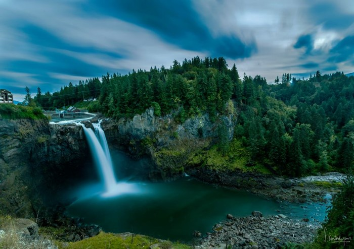 14. A cool shot of the iconic Snoqualmie Falls, taken by Karthik Subramanian Photography.