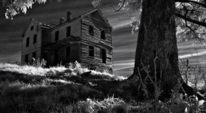 The 11 Most Terrifying, Spooky Places To Visit In Iowa This Halloween