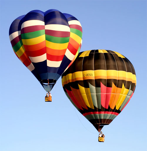 12. Let your hearts soar on a hot air balloon ride.