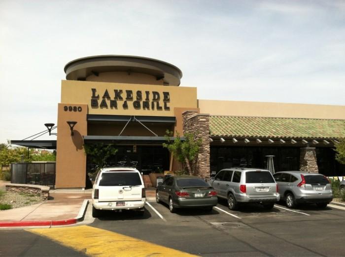 4. Lakeside Bar & Grill, Peoria