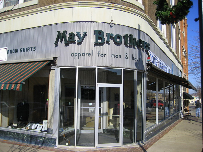 6. May Brothers Apparel for Men & Boys: Bartlesville