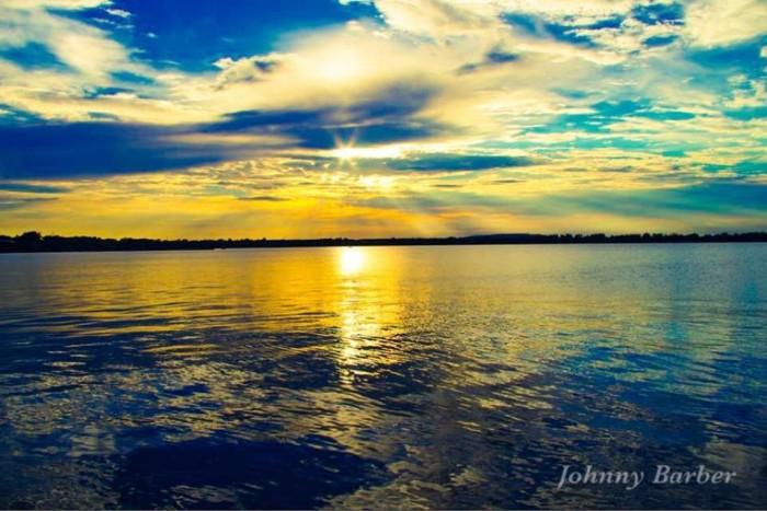 5. Ravishing snapshot of Yahola Lake  in Tulsa.