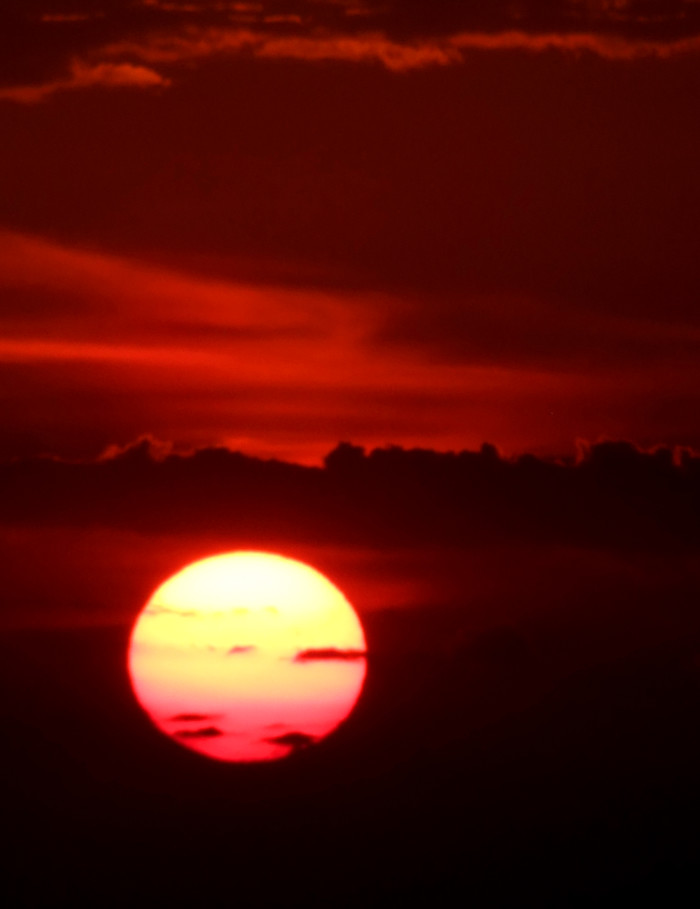 4) Red sun
