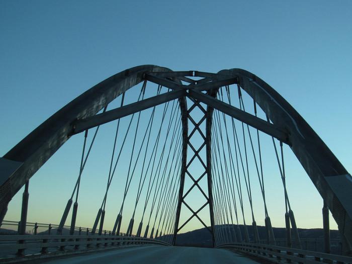 15.  Gorgeous steel arch bridge.