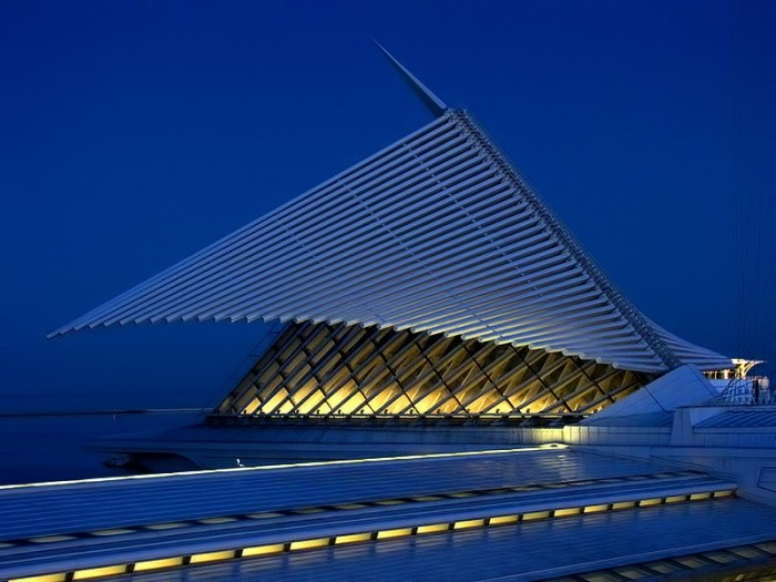 4. The Quadracci Pavilion is a stunning piece of architecture, particularly so in the evening.