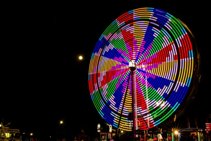 6. This Ferris Wheel over at the Lake County Fair looks like a pinwheel!