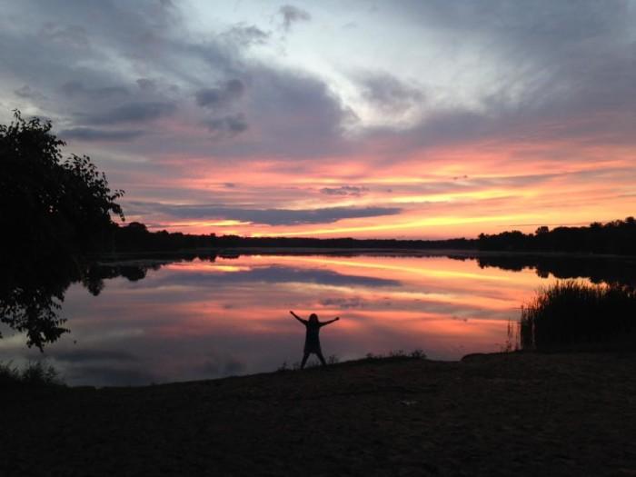 10. A gorgeous sunset makes its way over Montello Lake.