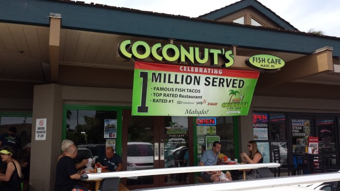 12 incredible seafood restaurants in hawaii for Coconut s fish cafe