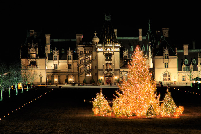 1. The beautiful Biltmore House decorated for Christmas.