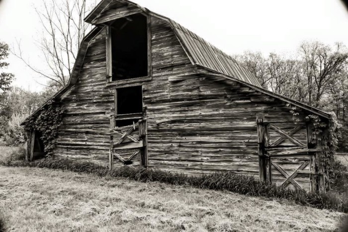 6. Justin Landon graces us with a beautiful black and white capture of a barn in Monroe County.