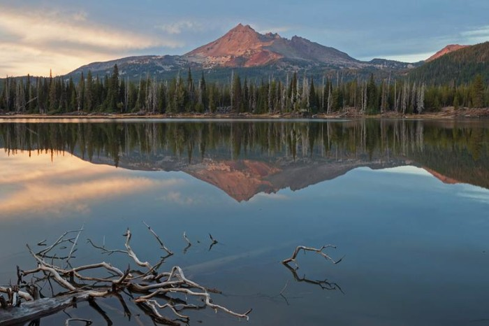 1. Broken Top over Sparks Lake by David Anderson‎.