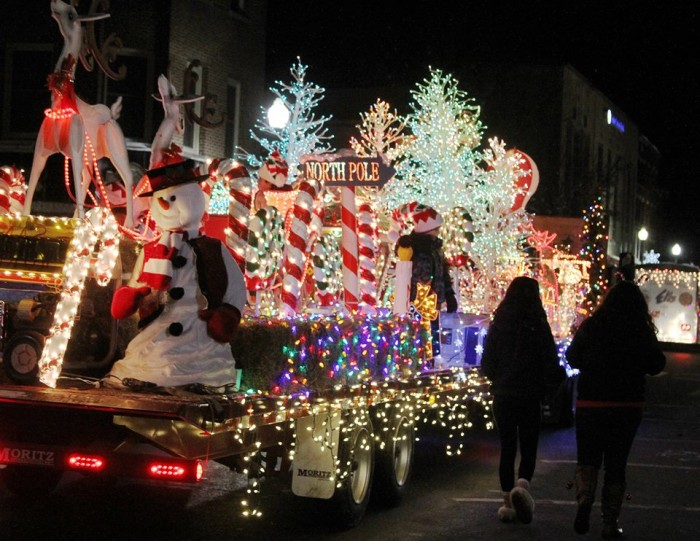 6. Parade of Lights, Waterville