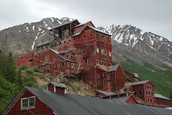 Enter Kennecott The Abandoned Mining Town In Alaska