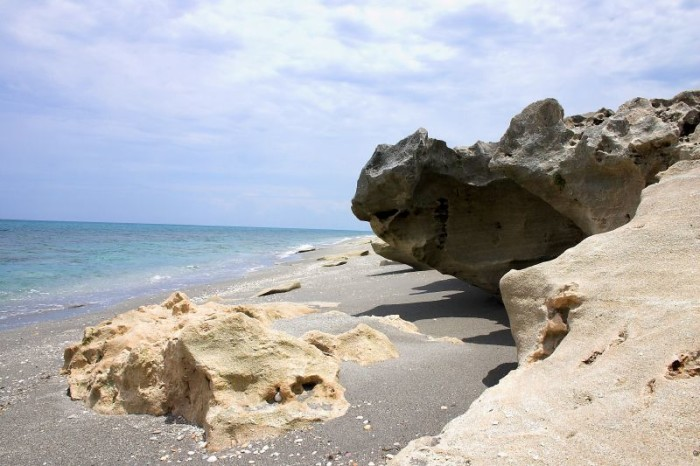 8. Blowing Rocks Preserve
