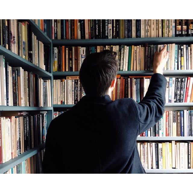 3) Wintertime bookstore dates are killer.