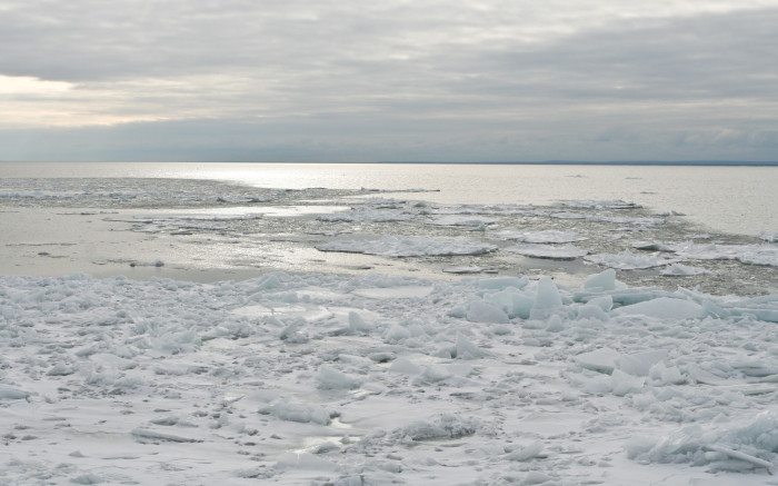 3. The Duluth Lakewalk offers unparalleled winter scenery of Lake Superior.