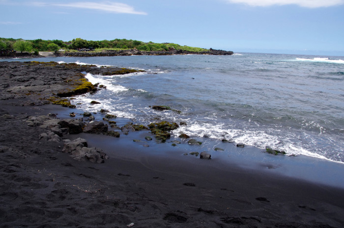 4) Instead of visiting the Big Island's Punalu'u black sand beach...