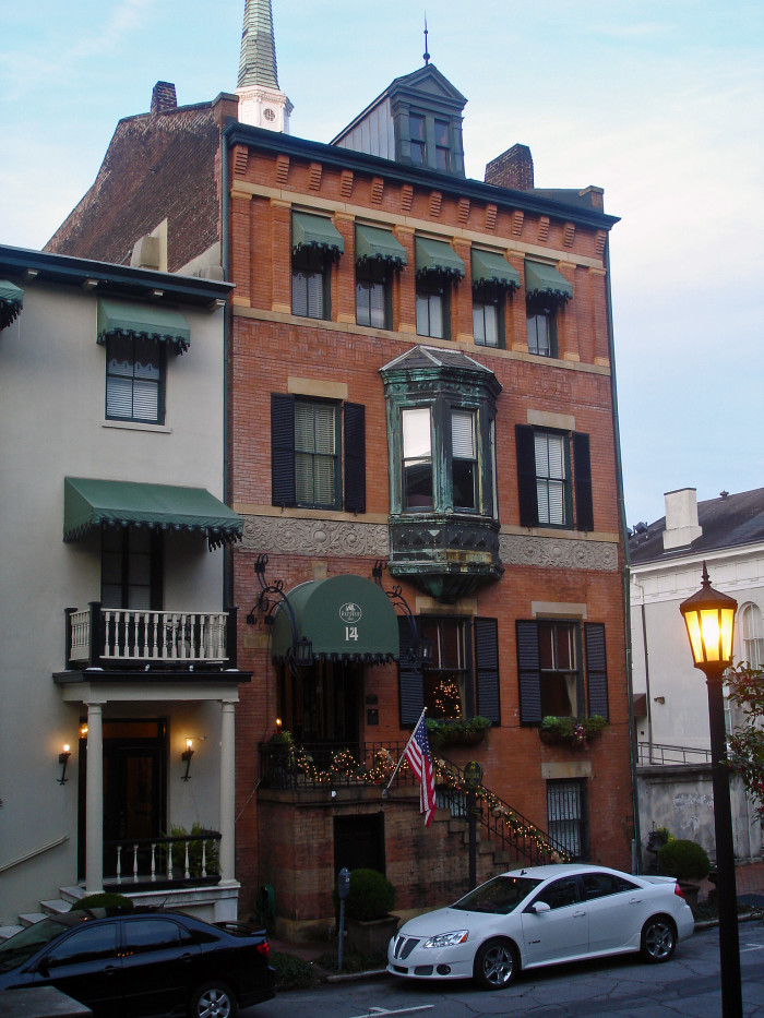 The Most Haunted Hotels In Georgia