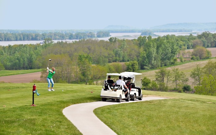 4. Iowa has more golf courses per capita than any other state in the U.S.