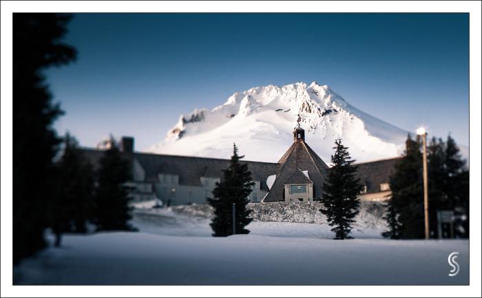 10. Cozy Timberline Lodge.