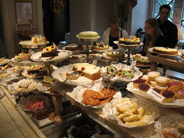 7. And of course, you've never experienced dessert until you've enjoyed a cookie table.