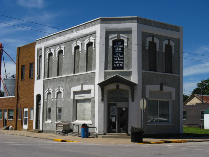4. Stuart: Bonnie and Clyde robbed First National Bank.