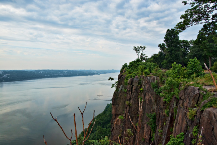 4. Palisades Cliffs