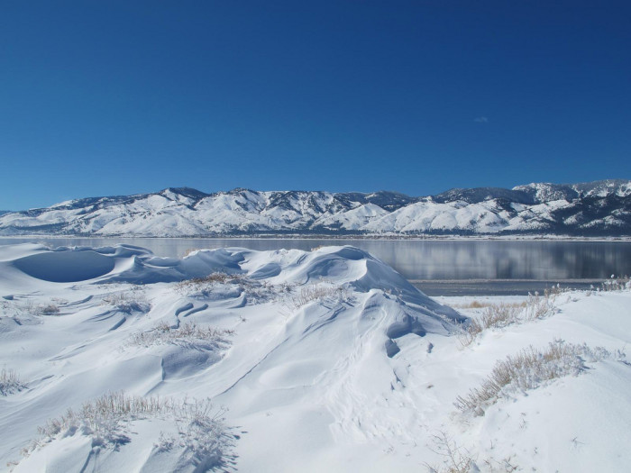 3. What a GORGEOUS winter view of Washoe Lake...