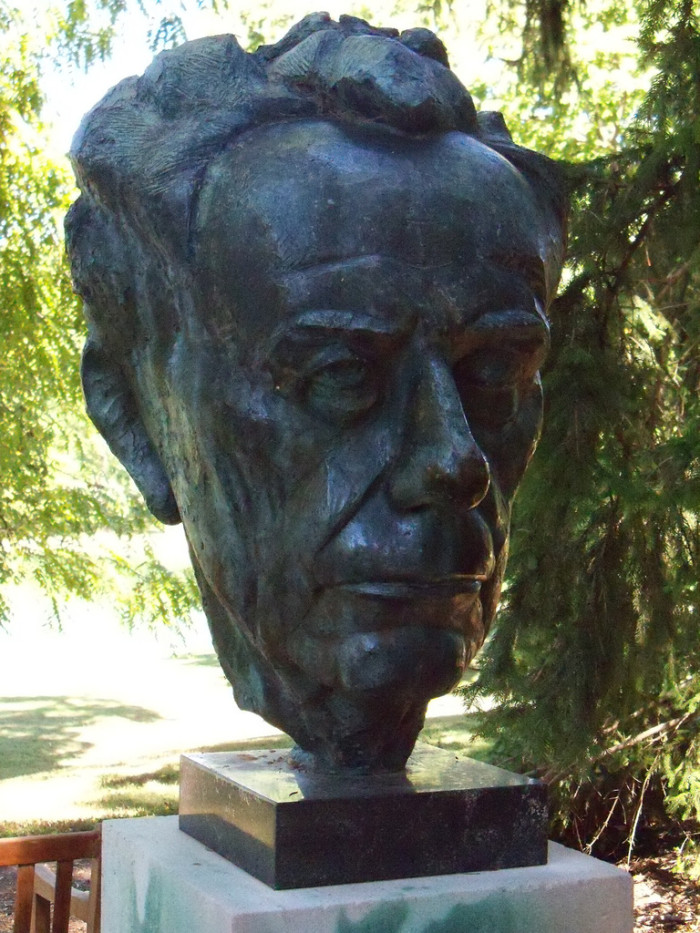 8. We cannot forgot about the bust of Paul Johannes Tillich.