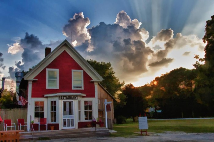 6. Little Red Hen Diner & Bakery, Andover