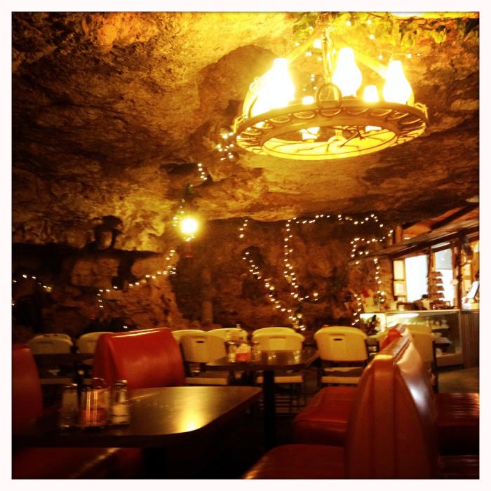 3.Cave Restaurant, Richland