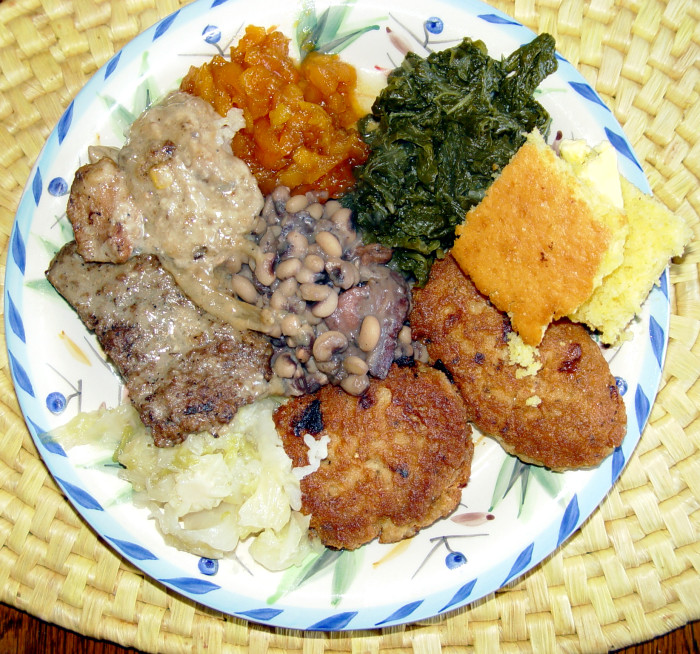 6. You'll never go hungry because small town Mississippians often show their love with food. Whether you're new to the neighborhood or going through hard times, you can count on your neighbor delivering some much-needed home style cooking.