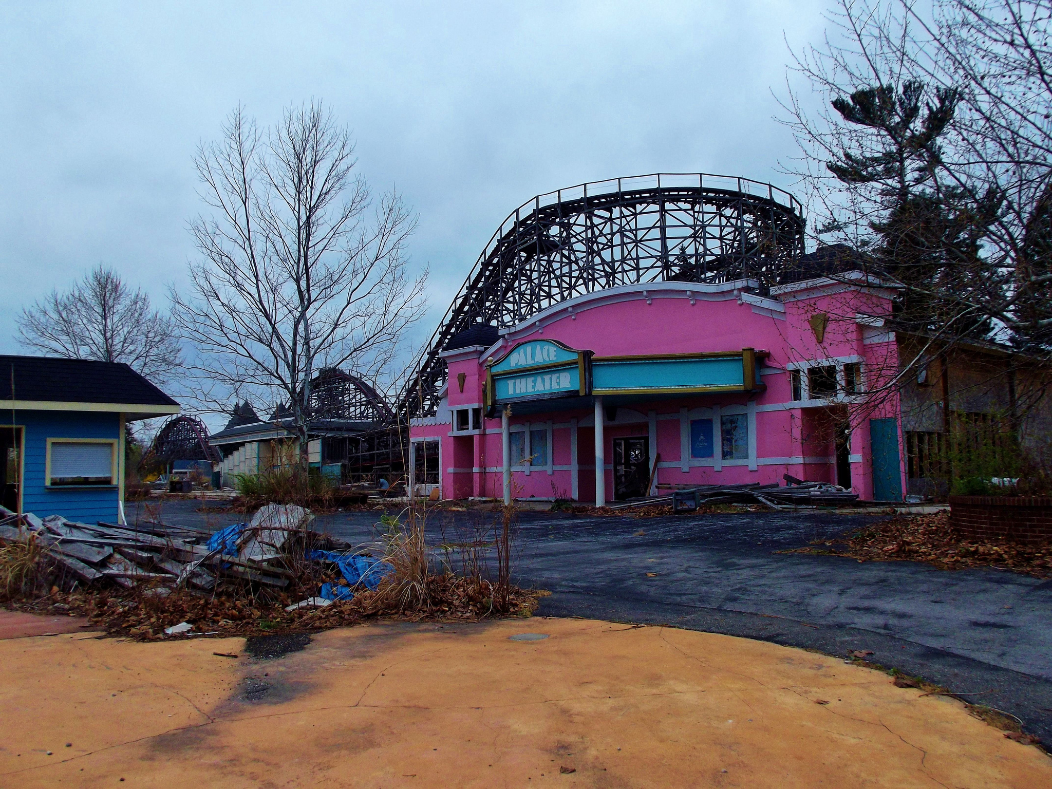 what u0026 39 s left of geauga lake in ohio