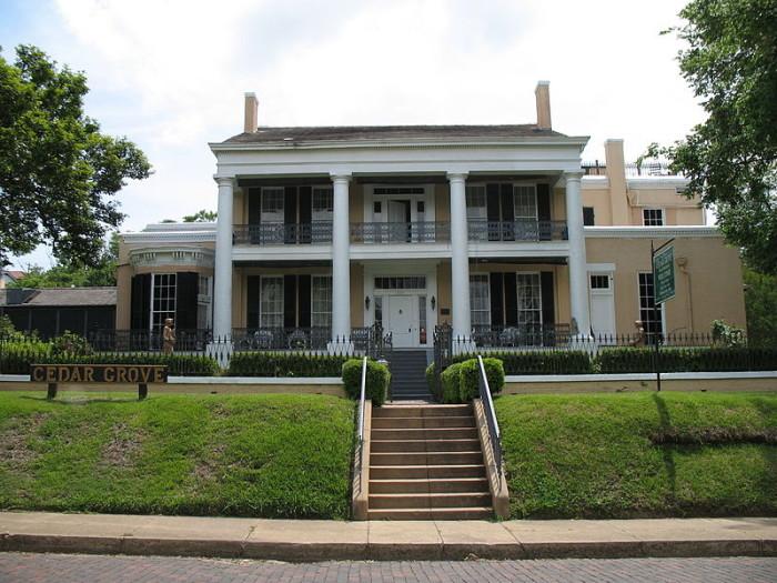 7. The Klein Family at the Cedar Grove Mansion, Vicksburg