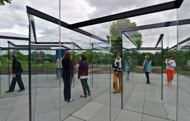8.Glass Labyrinth - Outdoor Maze of Glass - Kansas City