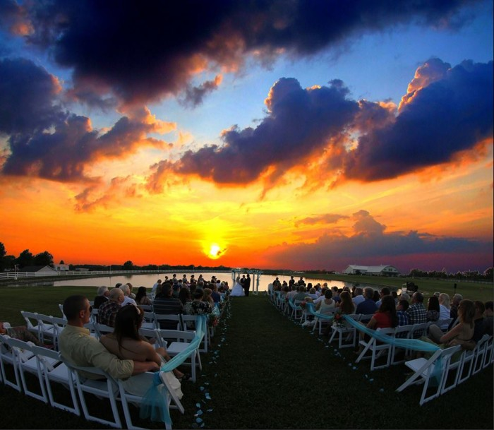 Outdoor Wedding Ceremony No Music: 10 Epic Spots To Get Married In Missouri That'll Blow